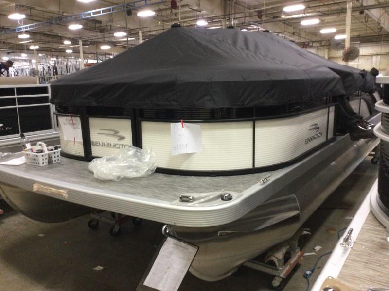 2021 Bennington boat for sale, model of the boat is 23 SSBX & Image # 7 of 22