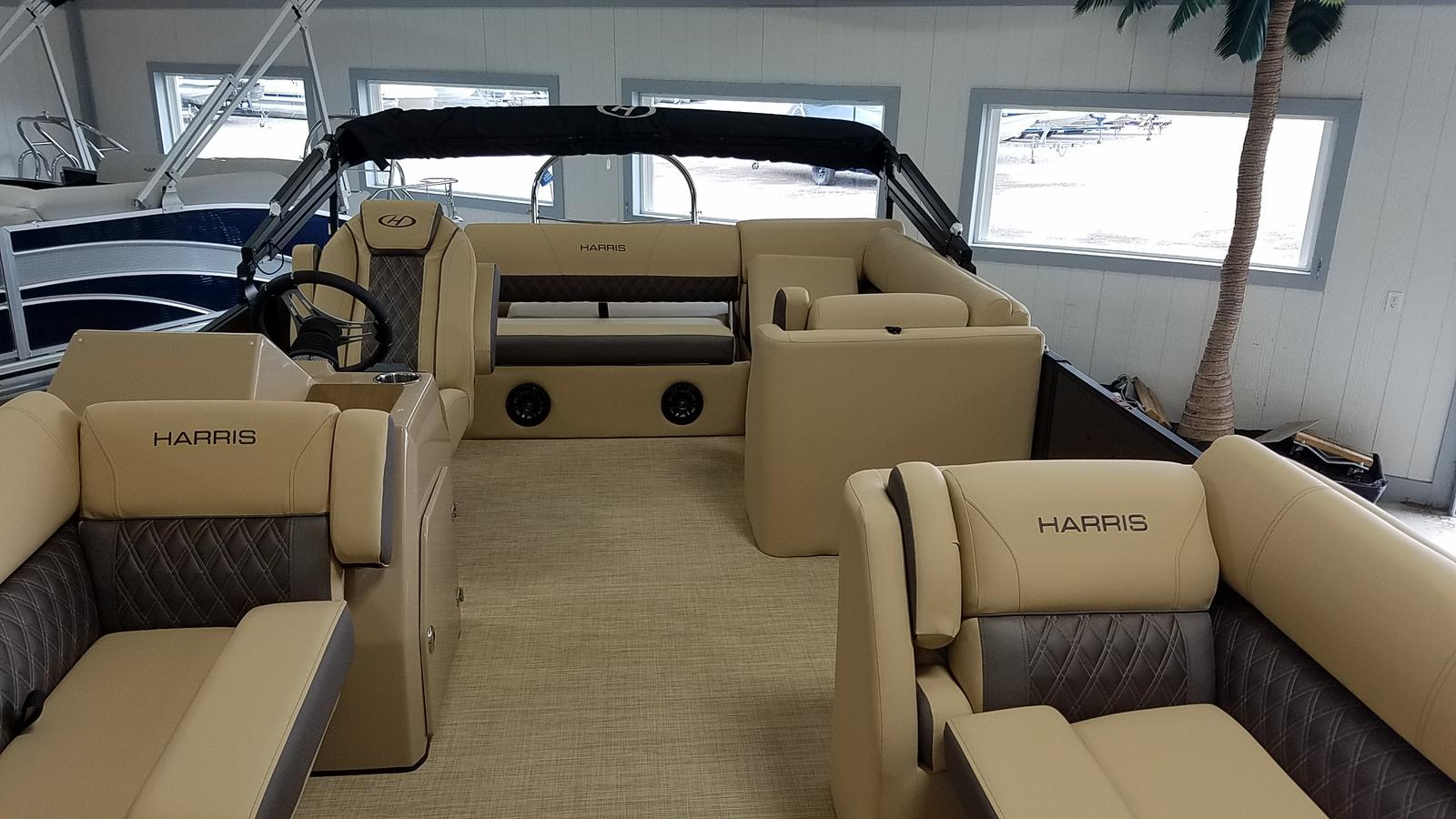 2021 Harris boat for sale, model of the boat is Sunliner 250 & Image # 2 of 17