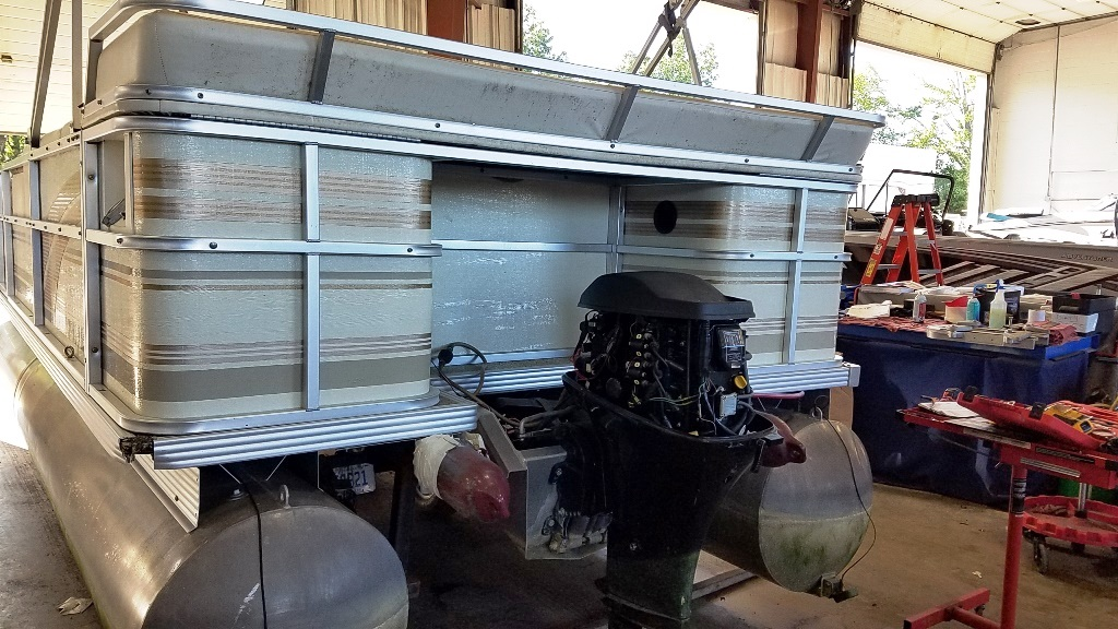 1996 Crest Pontoons boat for sale, model of the boat is Savannah Gold & Image # 2 of 9