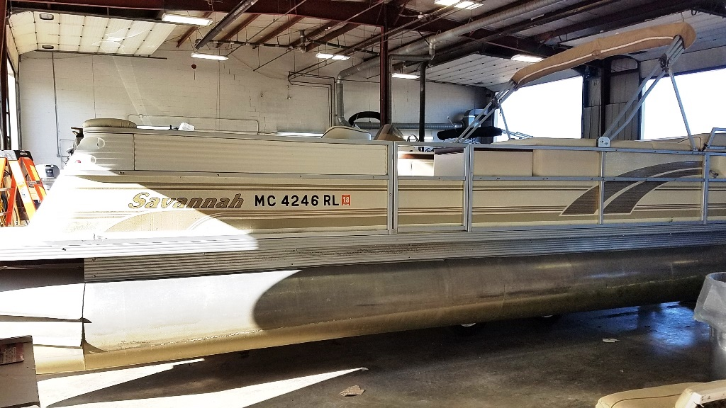 1996 Crest Pontoons boat for sale, model of the boat is Savannah Gold & Image # 1 of 9