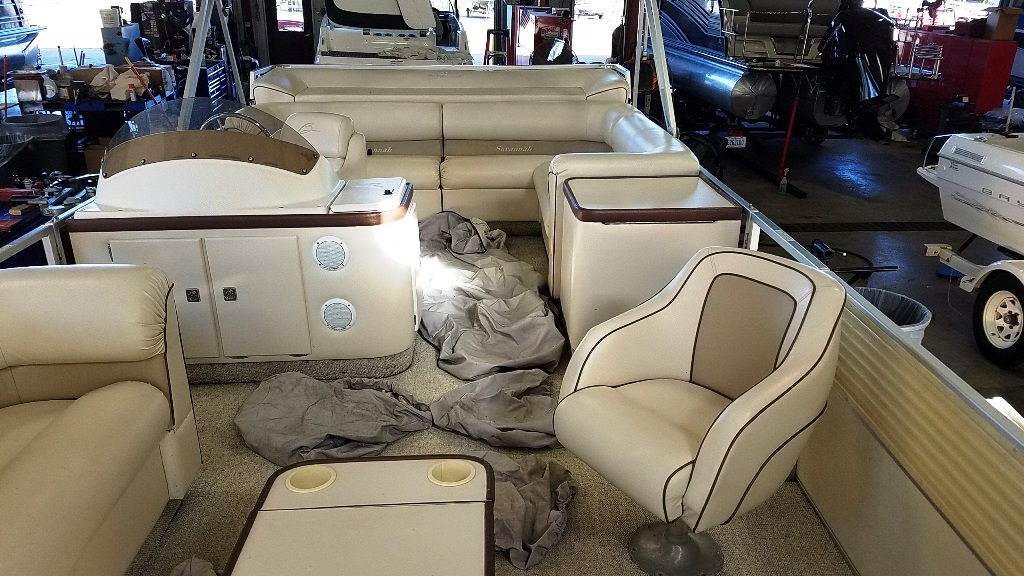 1996 Crest Pontoons boat for sale, model of the boat is Savannah Gold & Image # 4 of 9