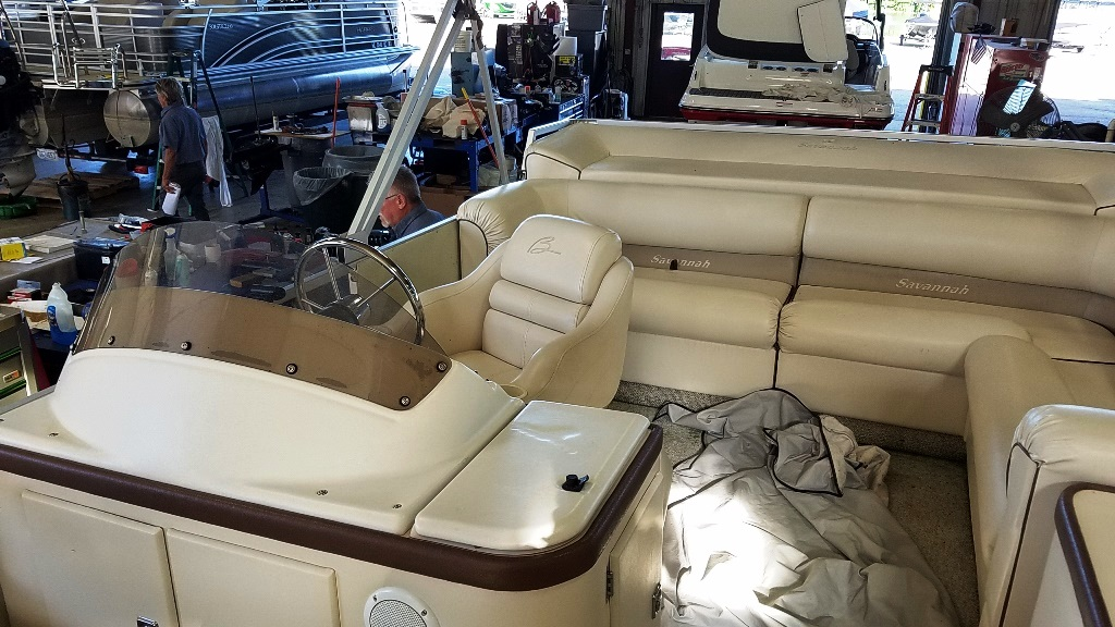 1996 Crest Pontoons boat for sale, model of the boat is Savannah Gold & Image # 6 of 9