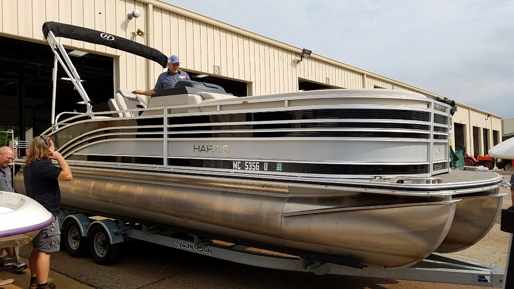 2020 Harris boat for sale, model of the boat is Solstice 250 SLDH & Image # 1 of 11