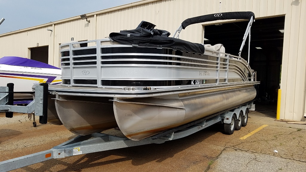 2020 Harris boat for sale, model of the boat is Solstice 250 SLDH & Image # 2 of 11