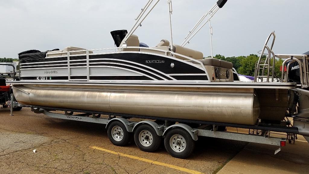 2020 Harris boat for sale, model of the boat is Solstice 250 SLDH & Image # 3 of 11