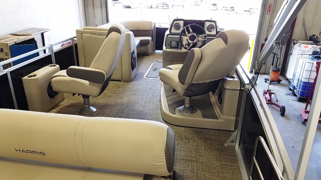 2020 Harris boat for sale, model of the boat is Solstice 250 SLDH & Image # 6 of 11