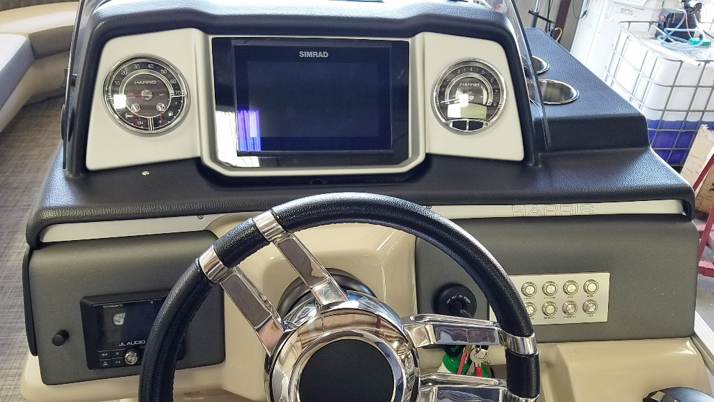 2020 Harris boat for sale, model of the boat is Solstice 250 SLDH & Image # 11 of 11
