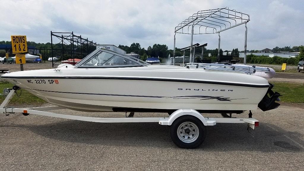 2004 Bayliner boat for sale, model of the boat is 175BR & Image # 1 of 7