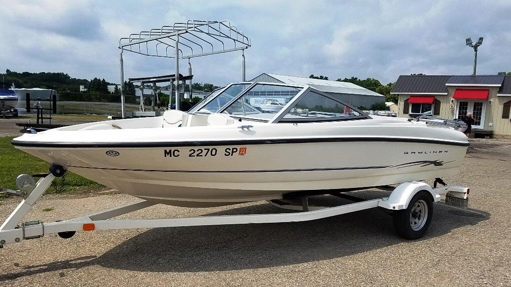 2004 Bayliner boat for sale, model of the boat is 175BR & Image # 2 of 7