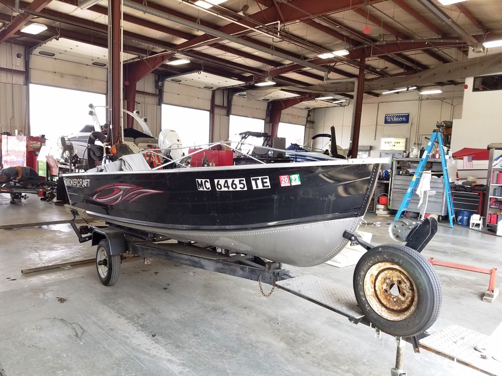 2011 Smoker Craft boat for sale, model of the boat is 14 Voyager & Image # 2 of 4