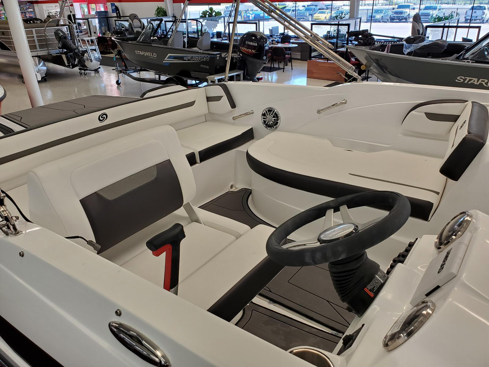 2021 Hurricane boat for sale, model of the boat is SunDeck Sport 205 IO & Image # 3 of 4