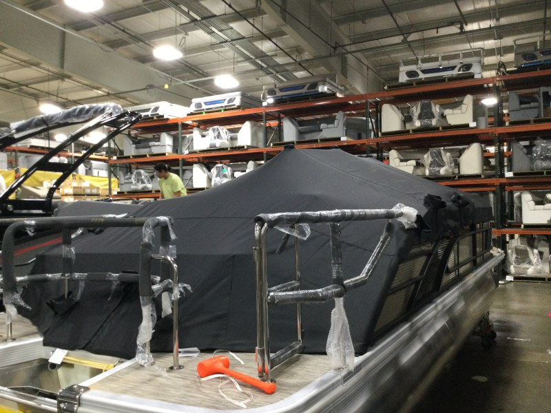 2021 Bennington boat for sale, model of the boat is 23 LSR & Image # 7 of 21