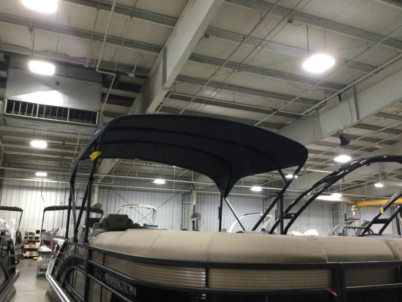 2021 Bennington boat for sale, model of the boat is 23 LSR & Image # 10 of 21