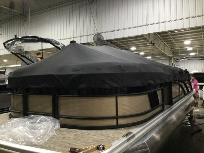 2021 Bennington boat for sale, model of the boat is 23 LSR & Image # 11 of 21