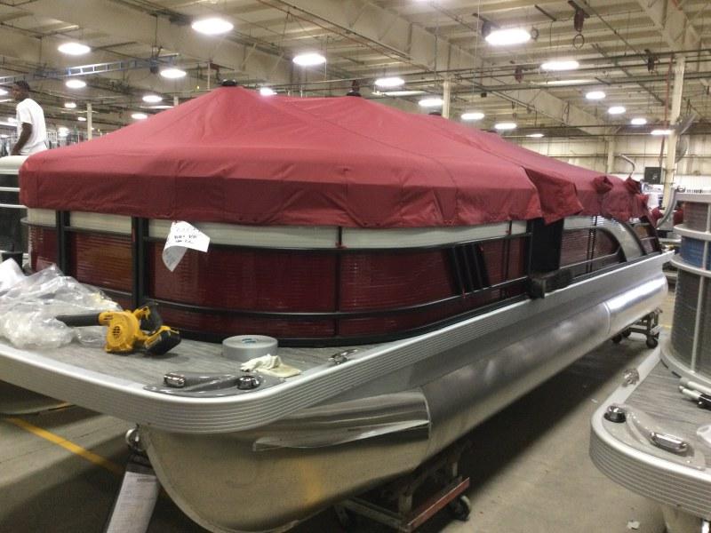 2021 Bennington boat for sale, model of the boat is 23 LSB & Image # 7 of 12