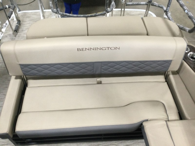 2021 Bennington boat for sale, model of the boat is 23 LXSB & Image # 15 of 15