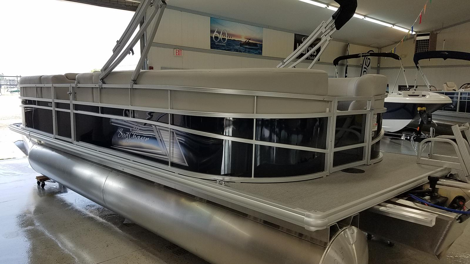 2021 SunChaser boat for sale, model of the boat is Vista 22 LR & Image # 3 of 7