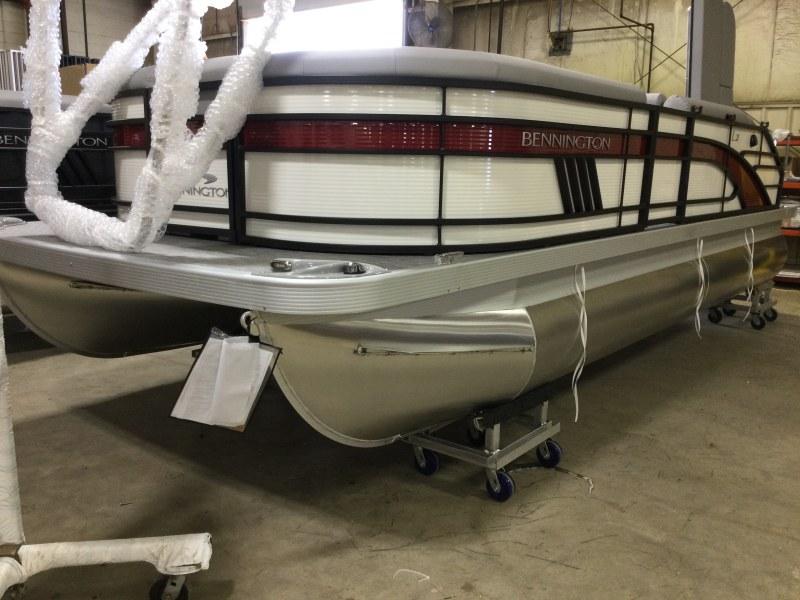 2021 Bennington boat for sale, model of the boat is 21 LSB & Image # 1 of 13