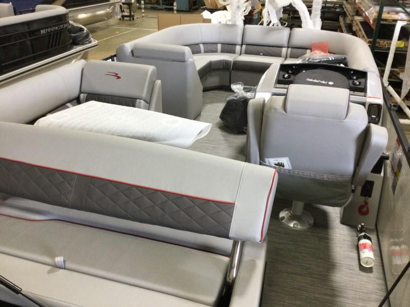 2021 Bennington boat for sale, model of the boat is 21 LSB & Image # 3 of 13