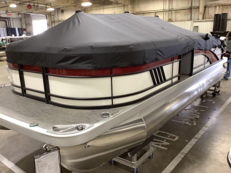 2021 Bennington boat for sale, model of the boat is 21 LSB & Image # 10 of 13
