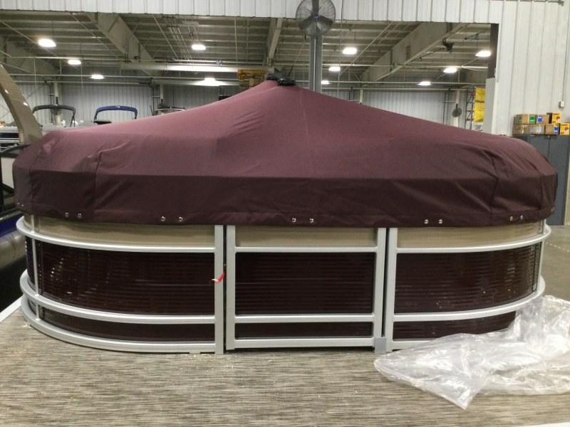 2021 Bennington boat for sale, model of the boat is 23 LXSR & Image # 12 of 15