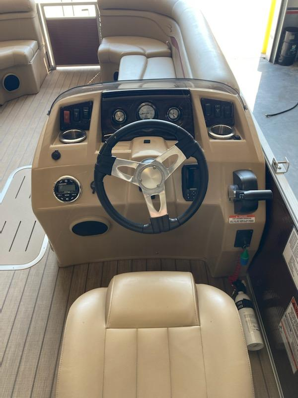 2018 Bennington boat for sale, model of the boat is 22 SSX & Image # 4 of 6