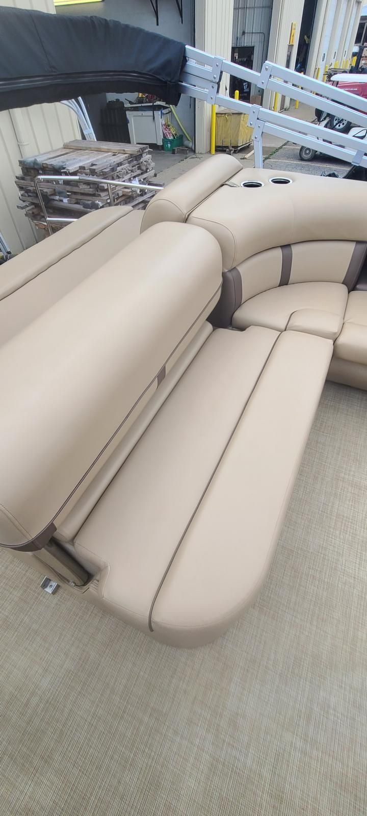 2019 Harris boat for sale, model of the boat is Cruiser 230 & Image # 6 of 10