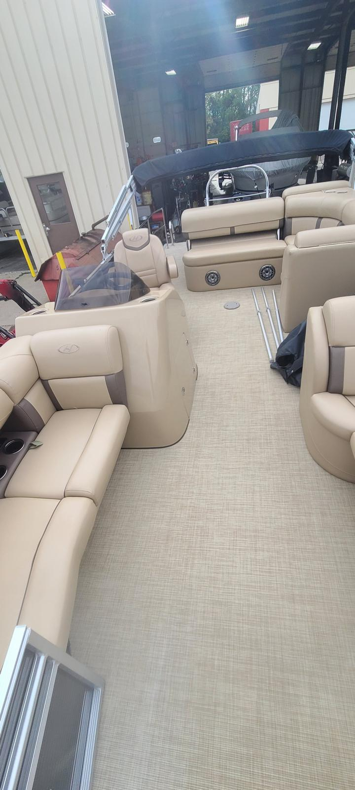 2019 Harris boat for sale, model of the boat is Cruiser 230 & Image # 10 of 10
