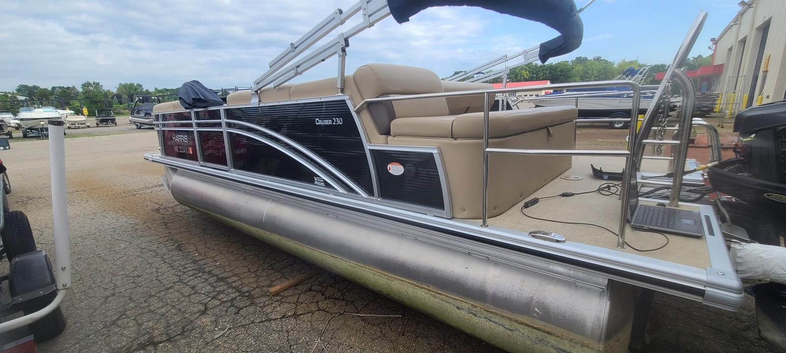 2019 Harris boat for sale, model of the boat is Cruiser 230 & Image # 1 of 10