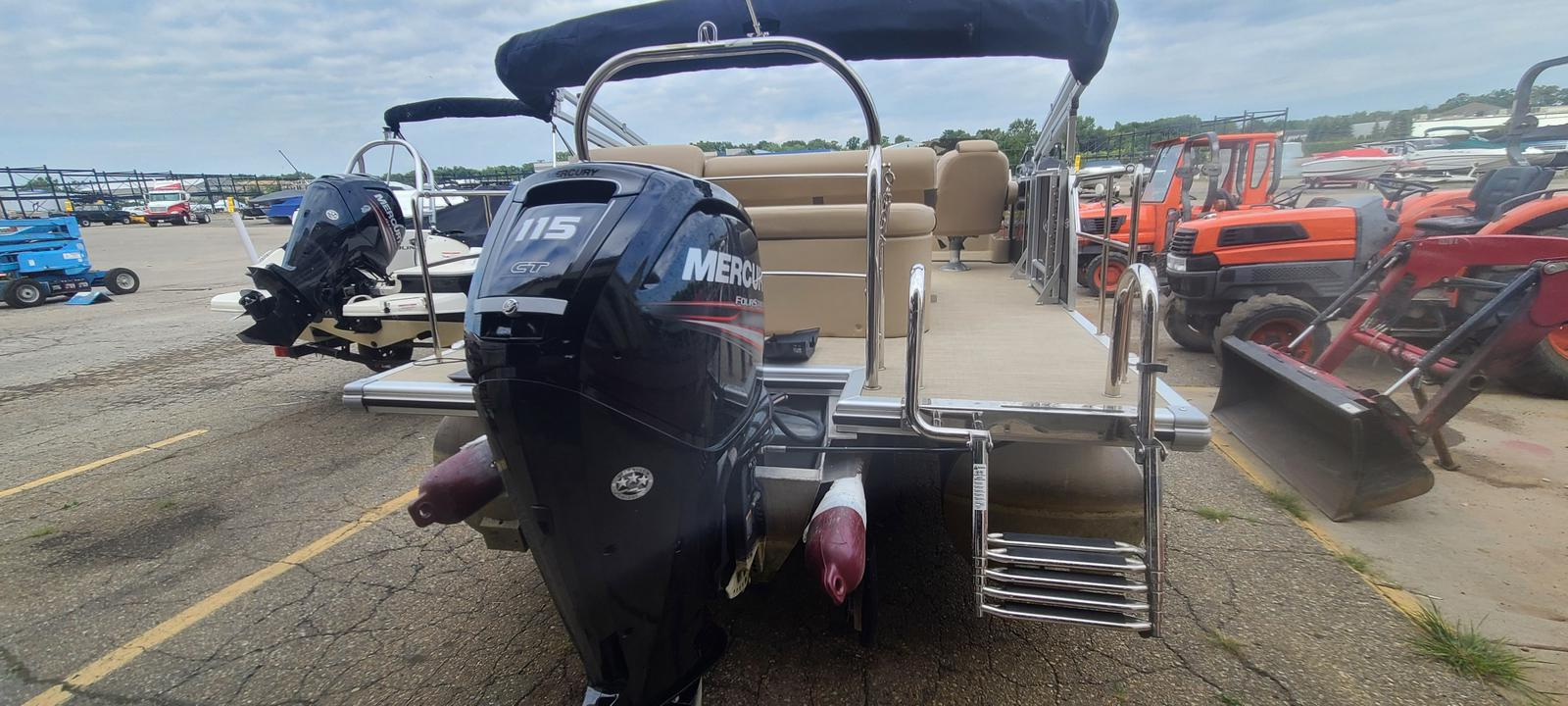 2019 Harris boat for sale, model of the boat is Cruiser 230 & Image # 2 of 10
