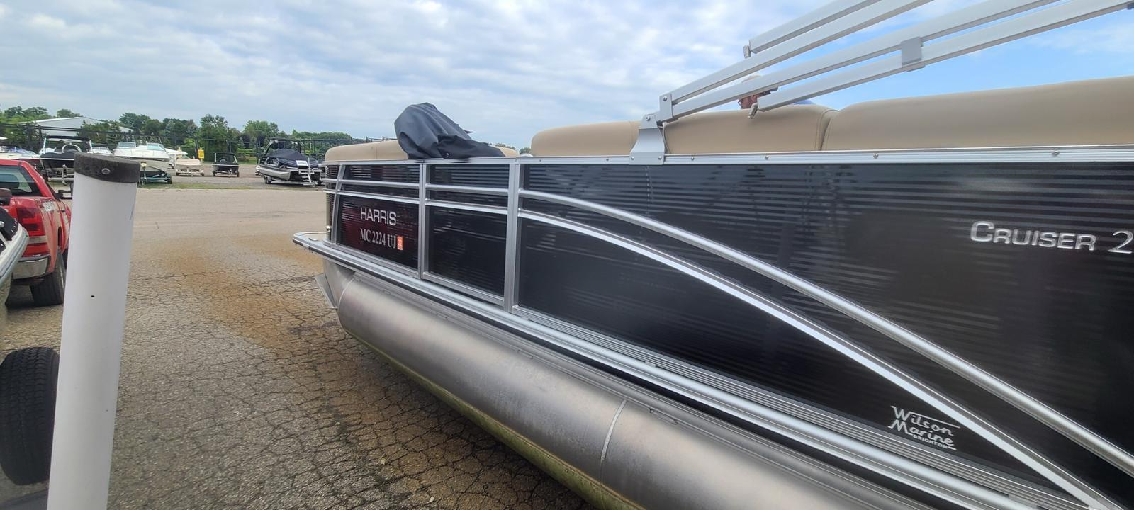 2019 Harris boat for sale, model of the boat is Cruiser 230 & Image # 4 of 10