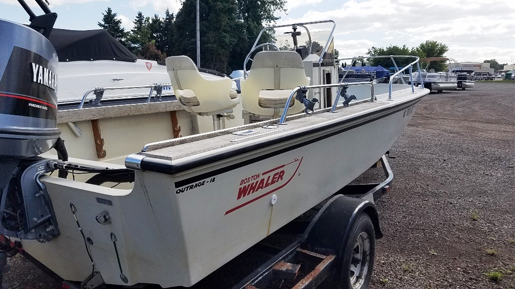 1986 Boston Whaler boat for sale, model of the boat is Outrage 18 & Image # 2 of 8