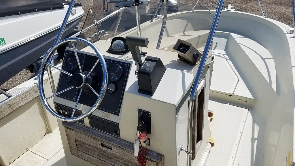 1986 Boston Whaler boat for sale, model of the boat is Outrage 18 & Image # 8 of 8