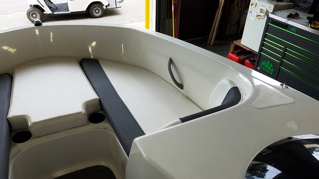 2017 Bayliner boat for sale, model of the boat is Element E21 & Image # 7 of 12