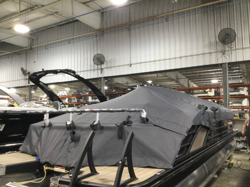 2021 Bennington boat for sale, model of the boat is 25 RSB & Image # 4 of 23