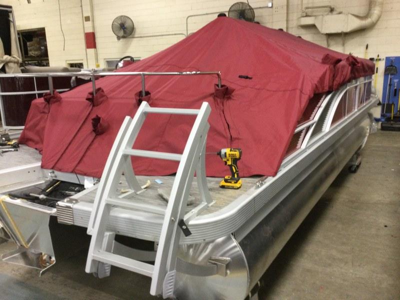 2021 Bennington boat for sale, model of the boat is 23 SSBX & Image # 9 of 23