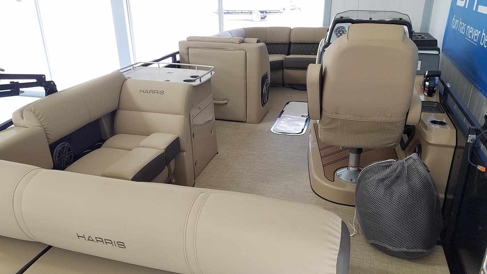 2021 Harris boat for sale, model of the boat is Solstice 230 & Image # 2 of 18