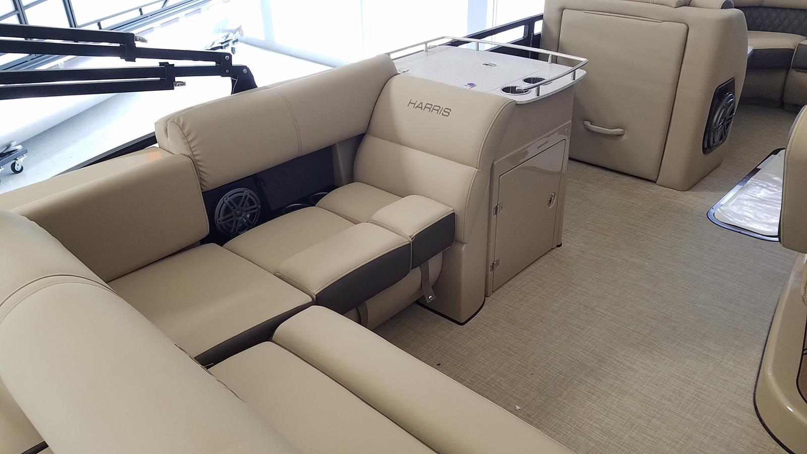 2021 Harris boat for sale, model of the boat is Solstice 230 & Image # 3 of 18