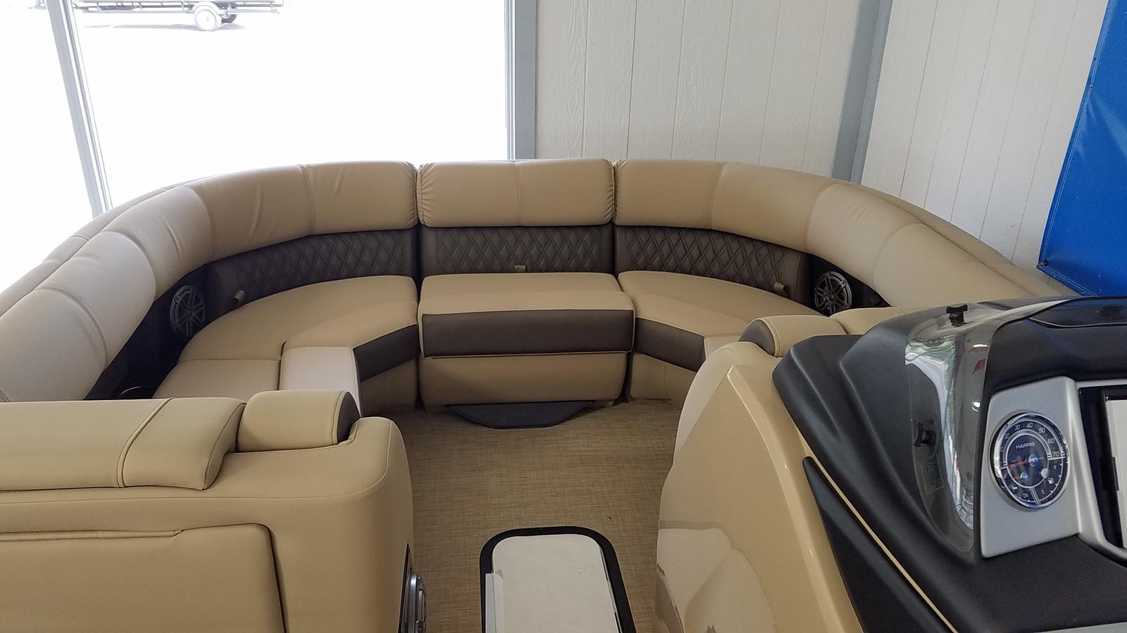 2021 Harris boat for sale, model of the boat is Solstice 230 & Image # 4 of 18