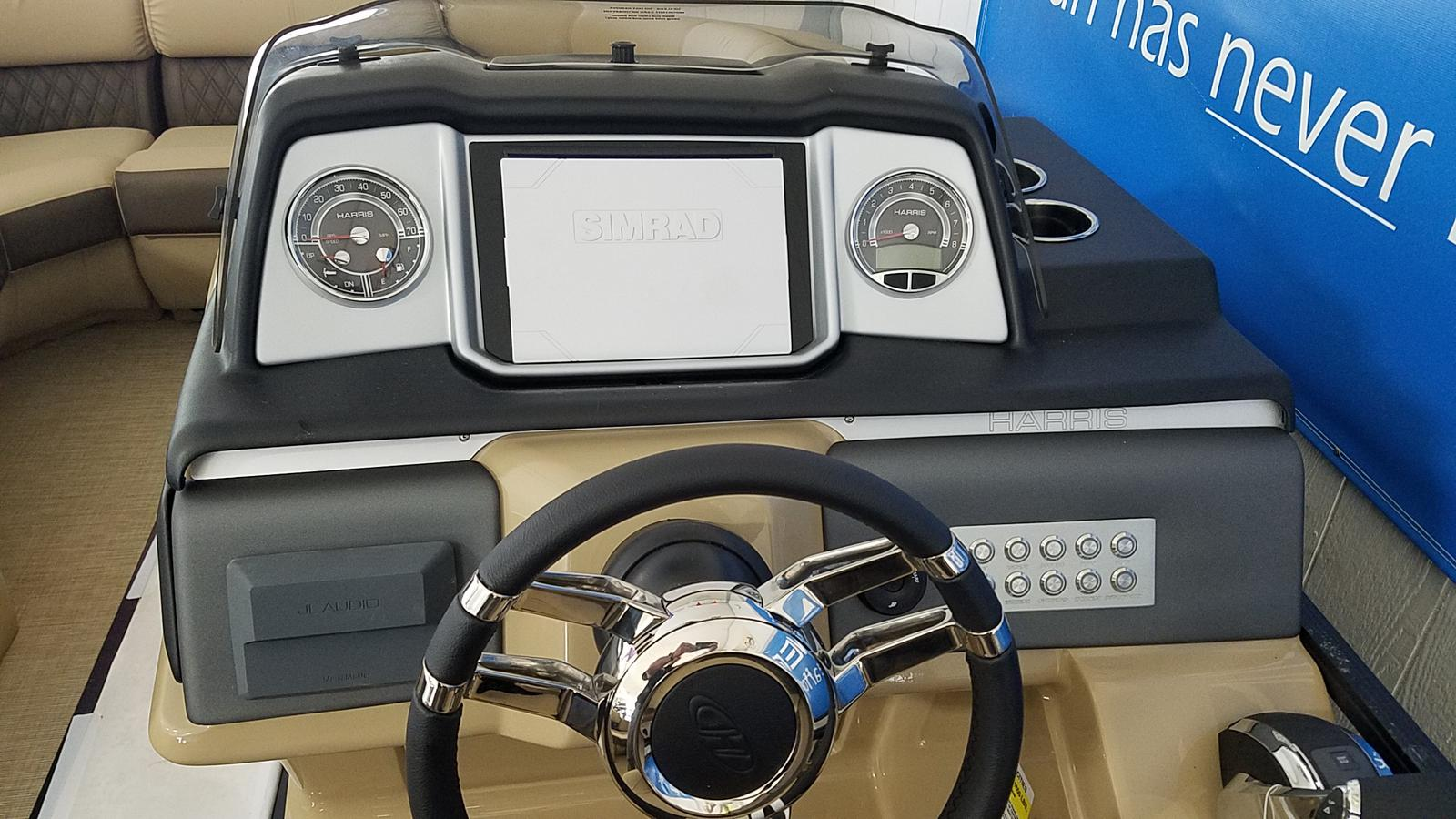 2021 Harris boat for sale, model of the boat is Solstice 230 & Image # 6 of 18