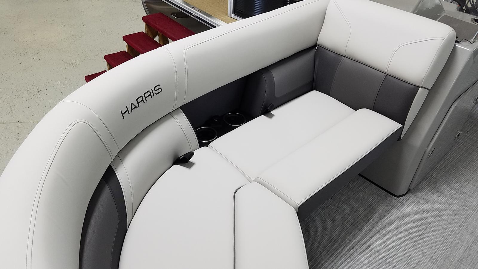 2021 Harris boat for sale, model of the boat is Cruiser 210 & Image # 2 of 17