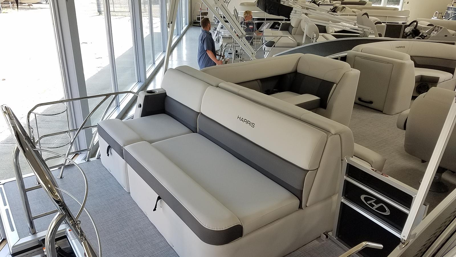 2021 Harris boat for sale, model of the boat is Cruiser 210 & Image # 4 of 17