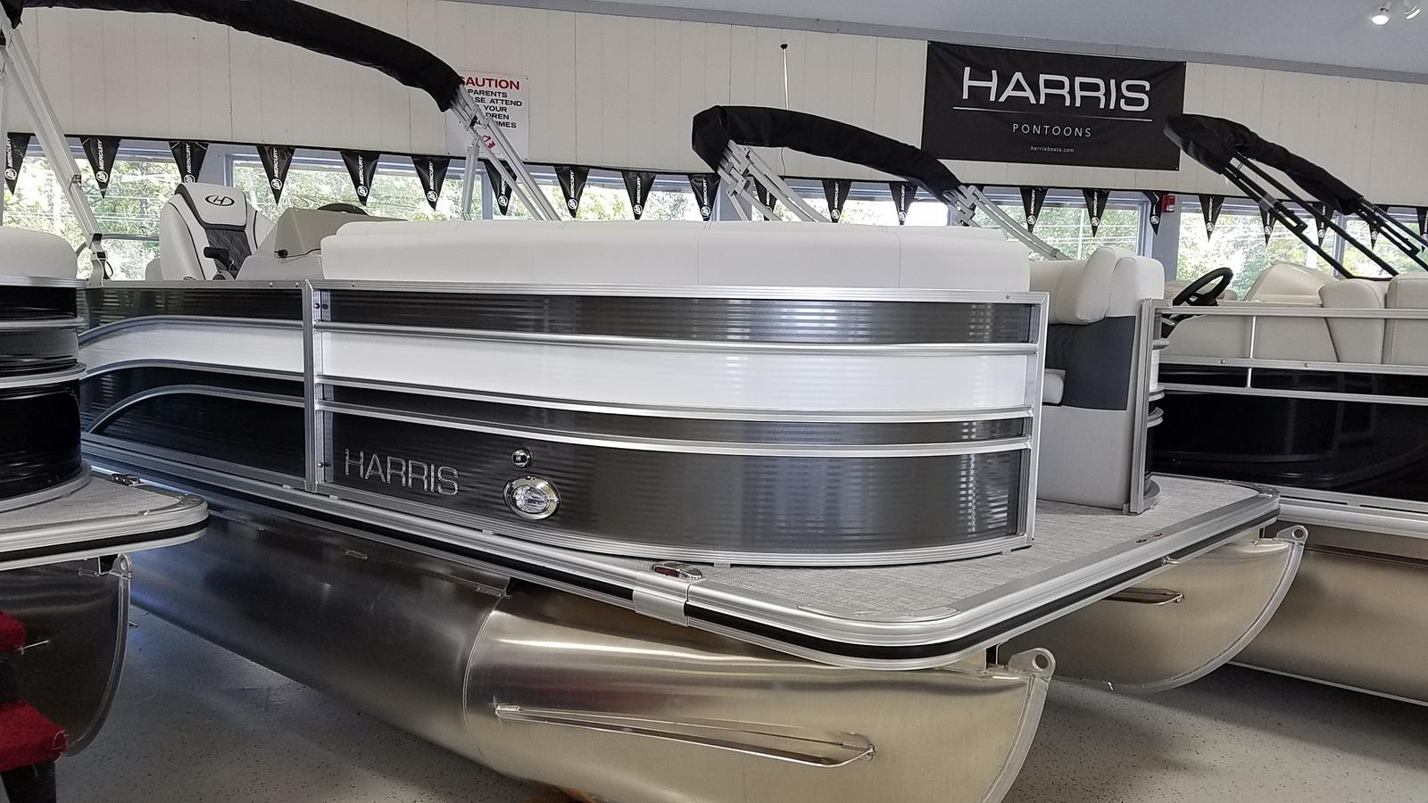 2021 Harris boat for sale, model of the boat is Sunliner 210 & Image # 1 of 17