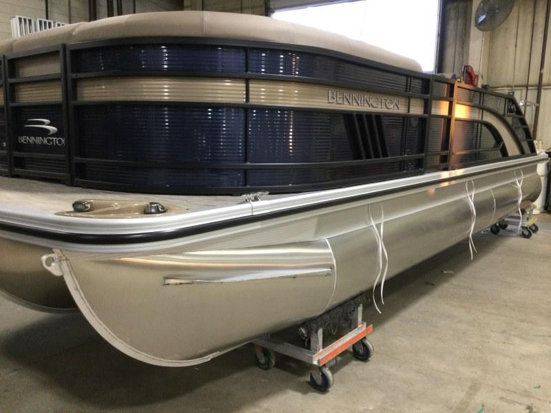 2021 Bennington boat for sale, model of the boat is 23 LSB & Image # 1 of 13