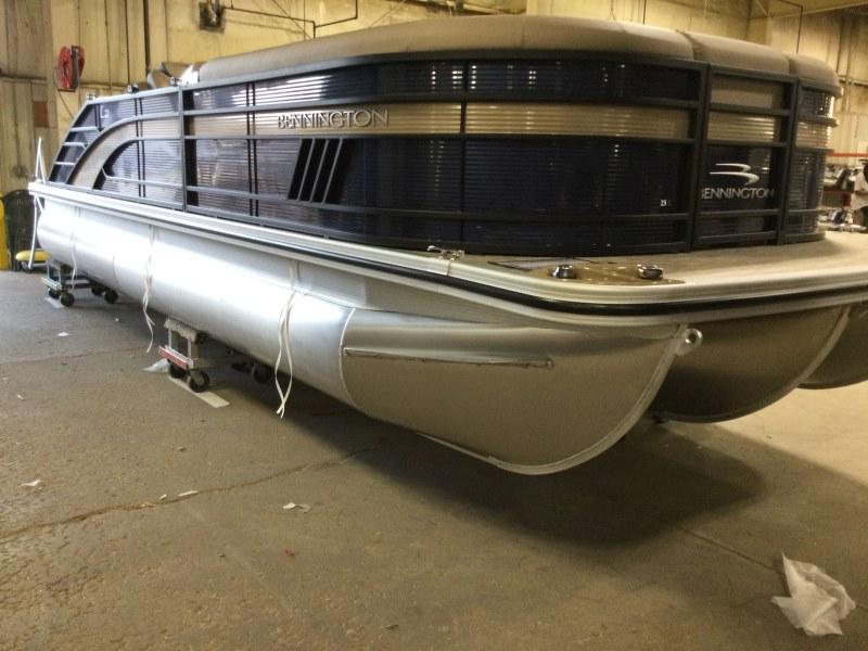 2021 Bennington boat for sale, model of the boat is 23 LSB & Image # 2 of 13