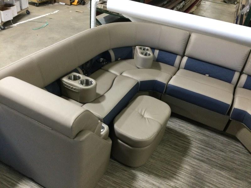 2021 Bennington boat for sale, model of the boat is 23 LSB & Image # 8 of 13