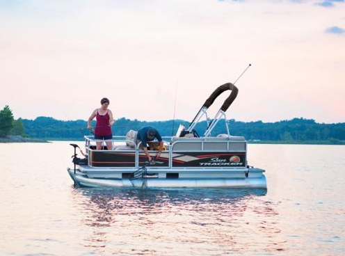 Sun Tracker Bass Buggy Pontoon in Madison, WI