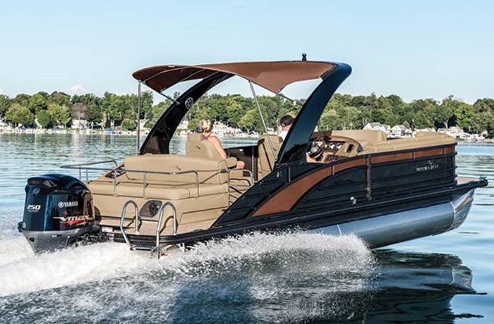 Bennington R Series Pontoon Boats