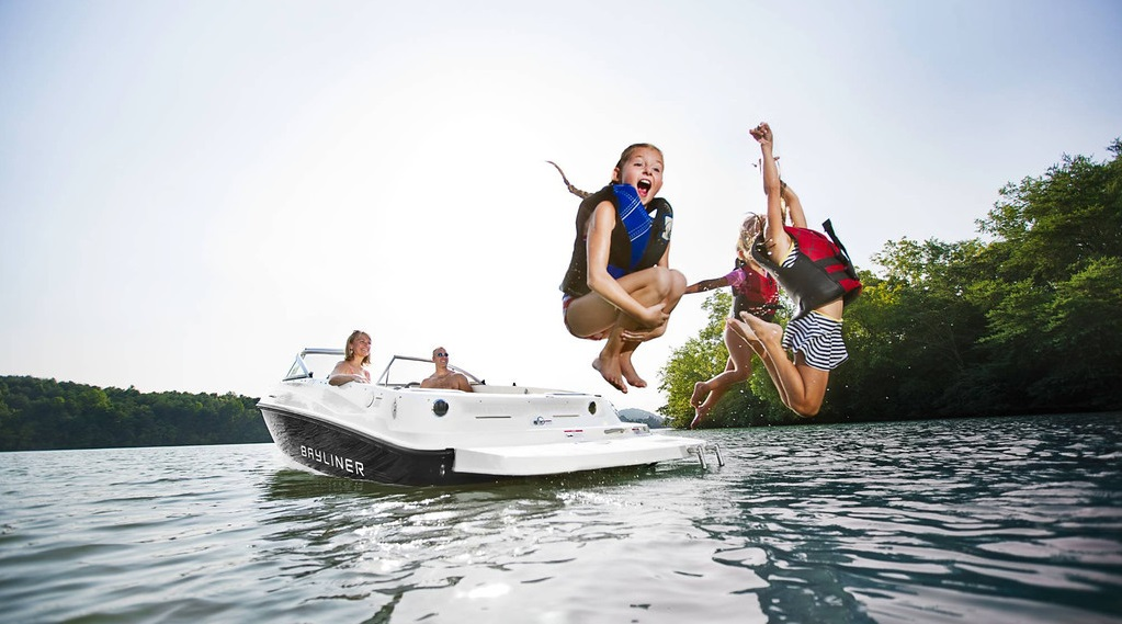 summer boating fun and safety