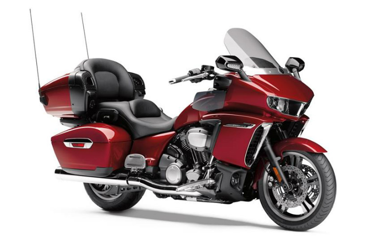 Raspberry Metallic 2018 Yamaha Star Venture Appleton WI